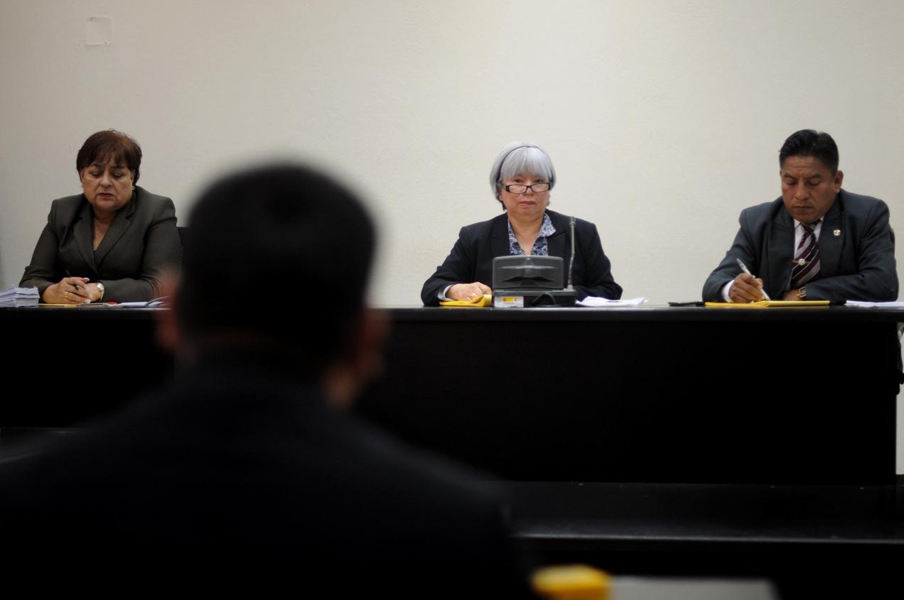 El Tribunal Primero A de Mayor Riesgo escucha el testimonio de Ricardo Arturo García López.