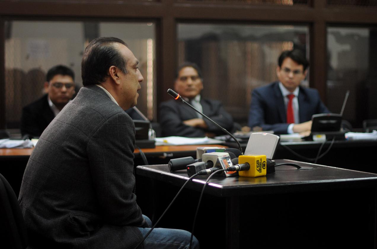Óscar Ortiz Solares da su testimonio al Tribunal. Tras el fallo, los jueces ordenaron su inmediata libertad.