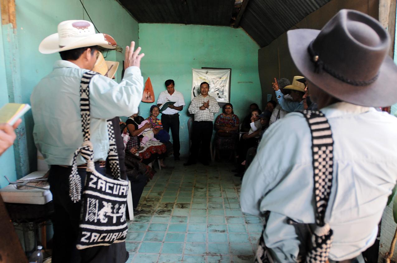 Un grupo de ex patrulleros del Occidente en reunión en Chimaltenango.