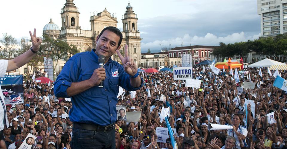 Jimmy Morales en el cierre de su campaña en el Parque Central.