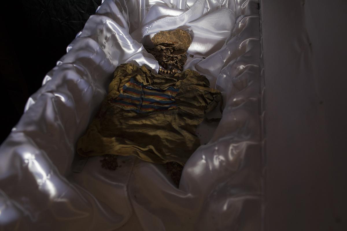 Los restos de Marta Elena juntos con la camisa que vestía el día de su desaparición