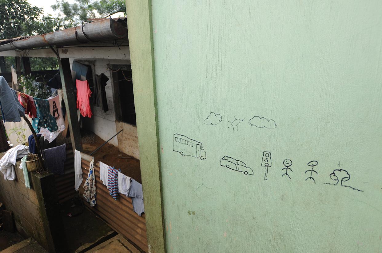 La representación del área urbana frente a la casa, que renta, de uno de los mozos colonos.