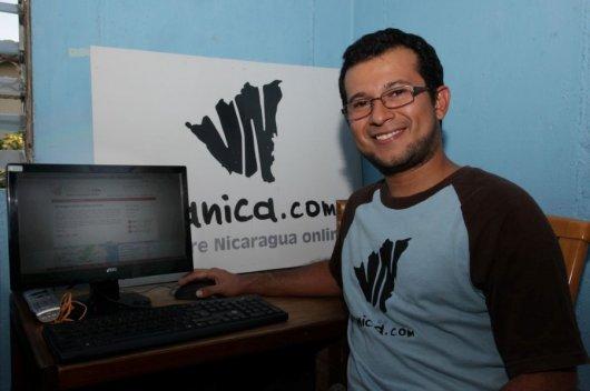 Foto: Róger Solórzano Canales, socio de Viamérica S.A, una de las nuevas empresas que apuntan al comercio en línea. Diana Ulloa/Confidencial.