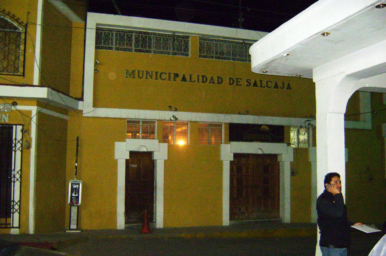 A lado del edificio de la Municipalidad de Salcajá se encuentra la sede de la sub estación de la Policía Nacional Civil.