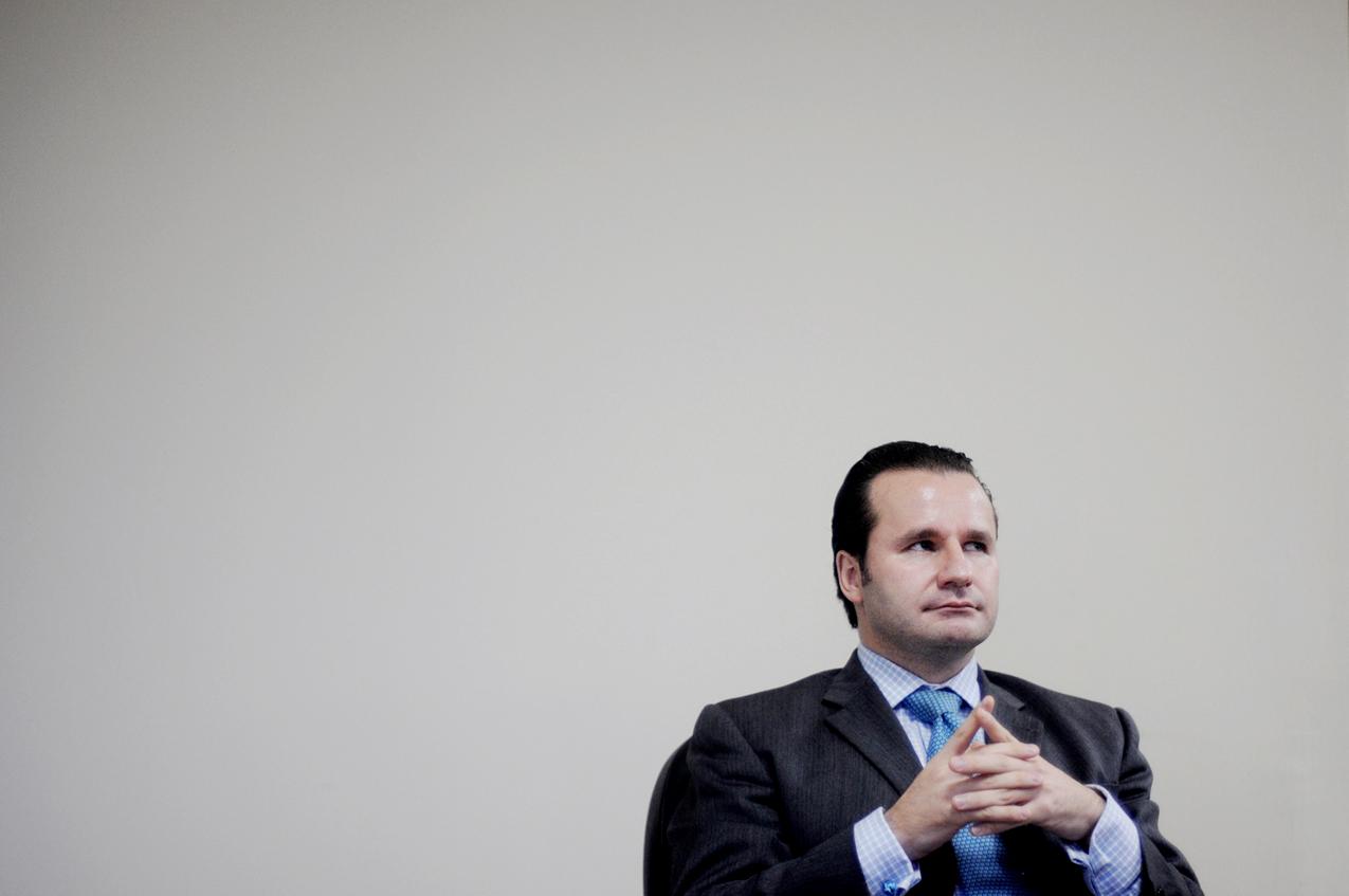 """""""Los ingresos no tienen que ser sólo tributarios. ¿Por ejemplo, por qué el INDE no puede ser una empresa que opere y compita como Empresas Públicas de Medellín?""""."""