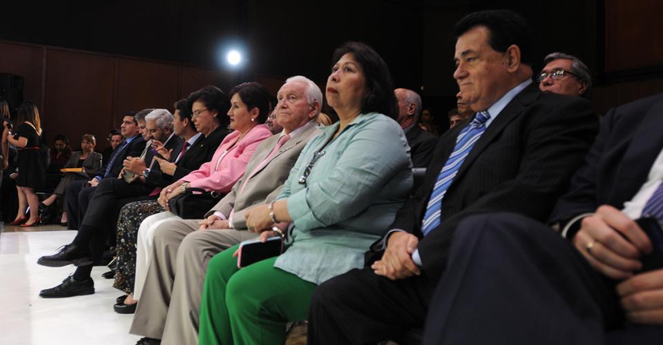Algunos de los invitados al debate.