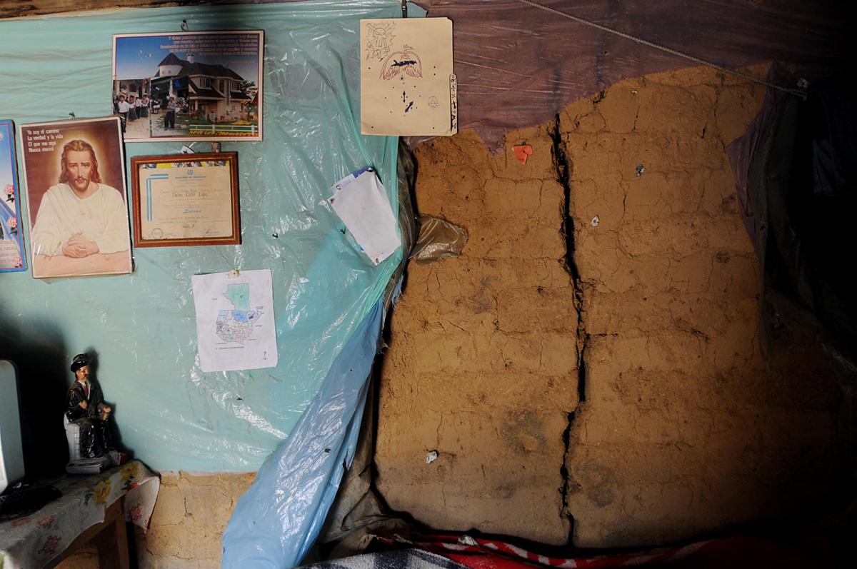 Muchas casas de Tajumulco están agrietadas.