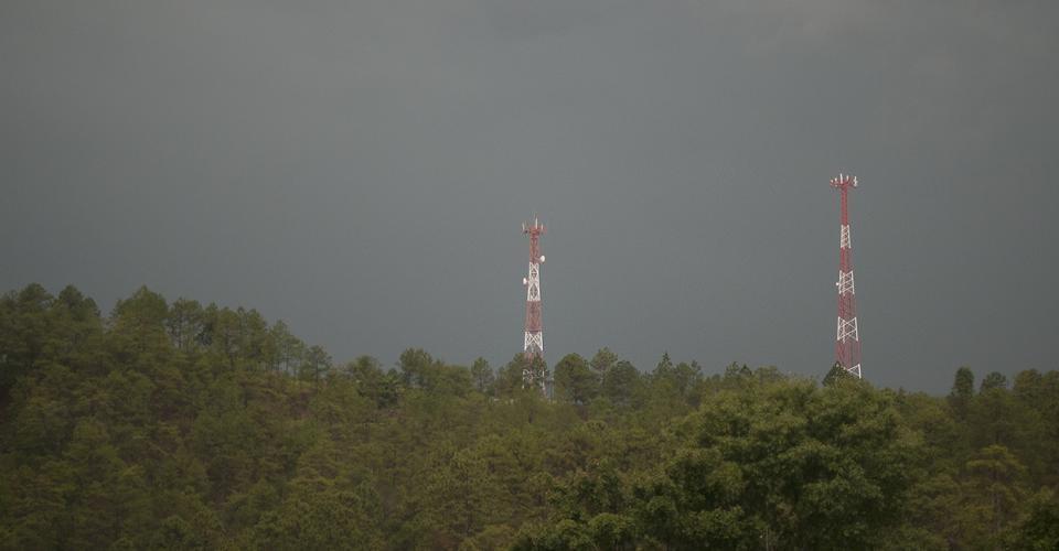 El ciudadano que se oponga a la instalación de una antena o poste dentro de su propiedad, será condenado a penas de hasta ocho años de prisión.