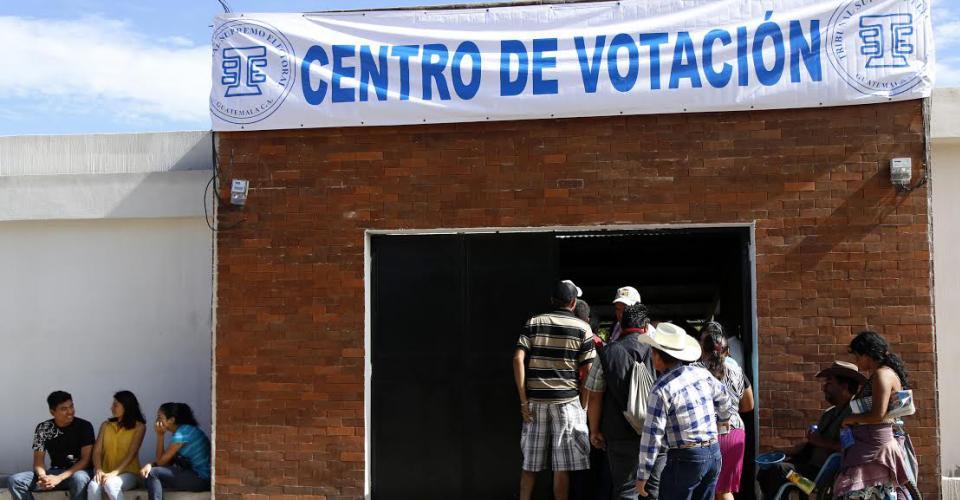"""""""Tres kiebres"""" niega los señalamientos que lo vinculan al mexicano cartel del Golfo, a los habitantes de Ipala, lo que les importa es que """"Kiebres"""" les ha ayudado."""